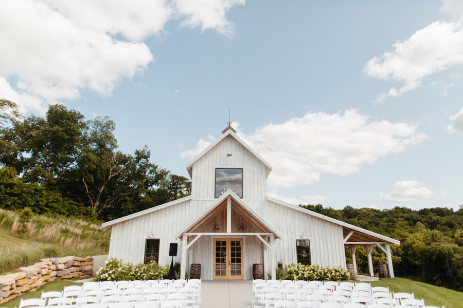 Outdoor wedding ceremony at The Barn at Cranford Hollow