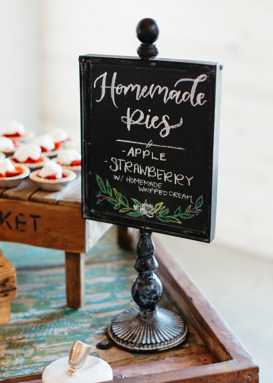 Wedding dessert sign