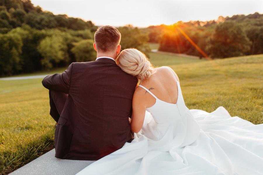 Golden hour wedding photos with Gipe Photography